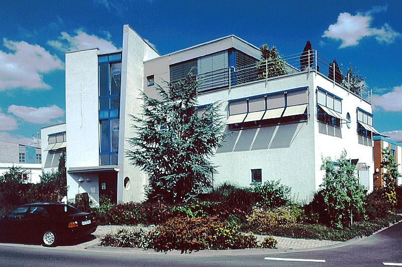 Büro- und Wohngebäude